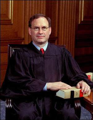 2009 term United States Supreme Court opinions of Samuel Alito - Image: Justice Alito official