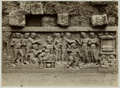 KITLV 28077 - Kassian Céphas - Relief of the hidden base of Borobudur - 1890-1891.tif
