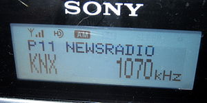 HD Radio - An example of information displayed by an AM HD station locking.
