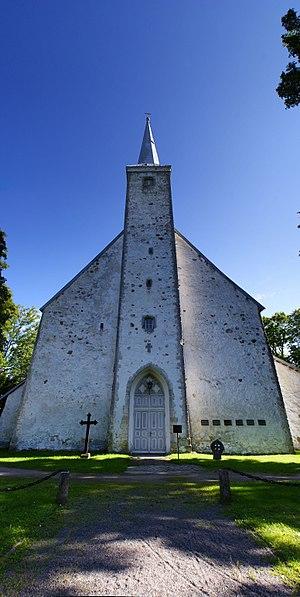 Kadrina - Image: Kadrina kirik eestpoolt