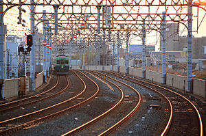 Quadruple track - Four track stretch of the Keihan Main Line in Japan