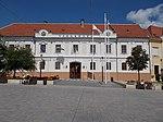 Keszthely Town Hall (1770s, Kristóf Hofstädter), 2016 Hungary.jpg
