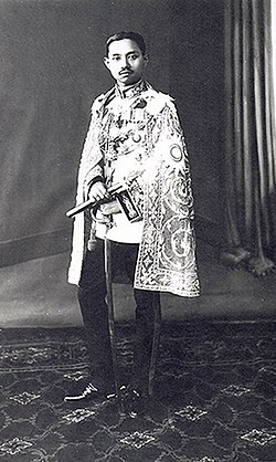 King Prajadhipok of Siam.jpg