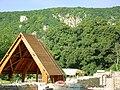 Klastrompuszta, Pálos kápolna heggyel - panoramio.jpg