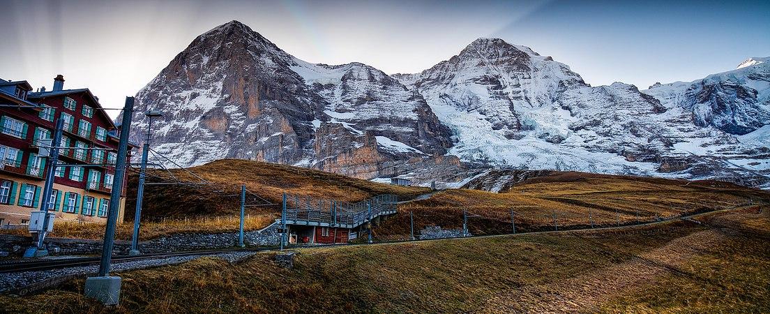 Kleine Scheidegg with Mountains.jpg