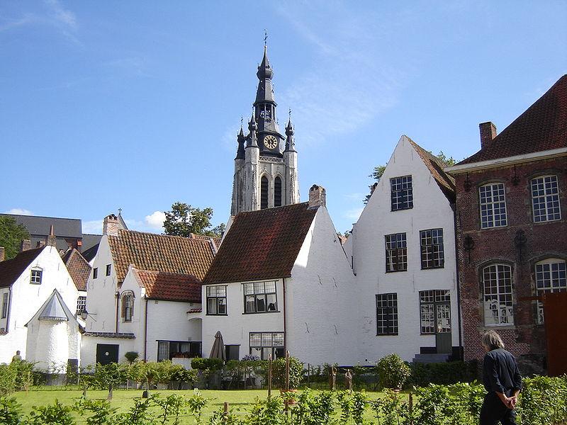 File:Kortrijk - Beguinage and Sint-Maartenskerk.jpg