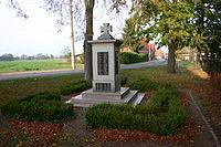 Kriegerdenkmal Kakau.jpg