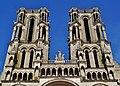 Laon Cathédrale Notre-Dame Fassade Türme 1.jpg