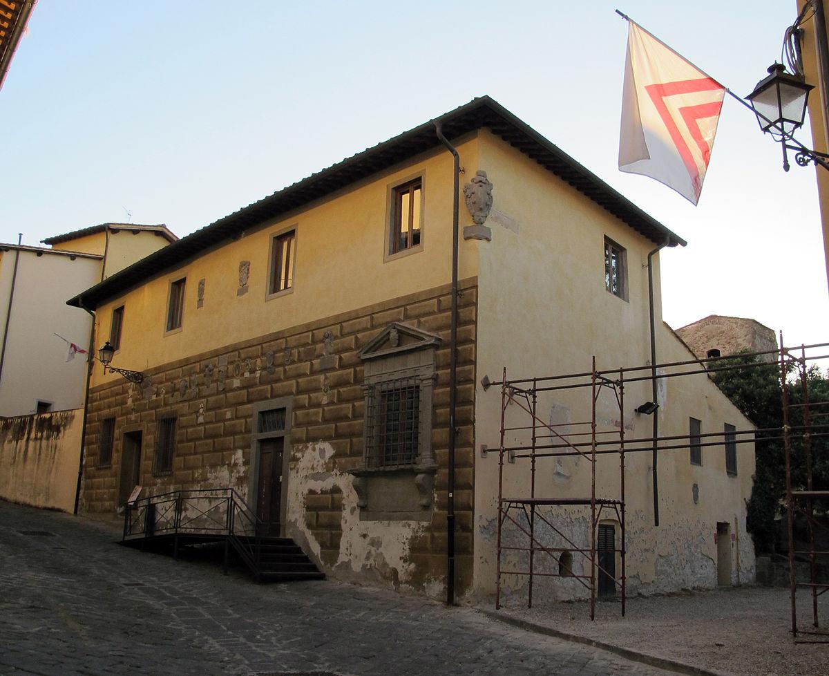 Palazzo del podest lastra a signa wikipedia for Palazzo a due piani