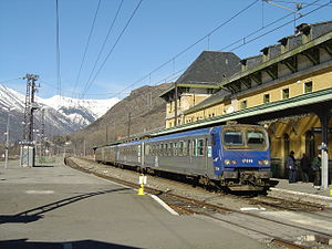 Transport in Andorra - A train at Latour-de-Carol, one of the two stations serving Andorra