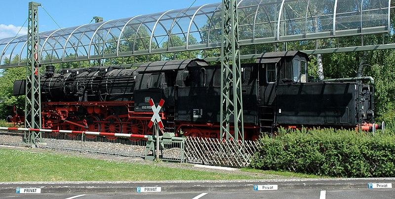 File:Lauda Bahnhof Denkmallok 52 908 20070519.jpg