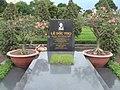 Le Duc Tho's grave.jpg