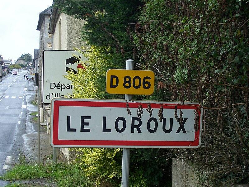 Panneau d'entrée dans le bourg du Loroux et dans le département d'Ille-et-Vilaine.