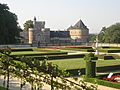 Le château de Gaasbeek et le jardin.jpg