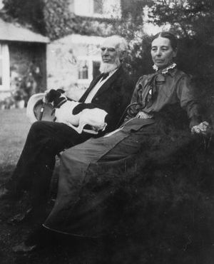 Leonard Courtney, 1st Baron Courtney of Penwith - Lord Courtney and his wife Catherine in 1916