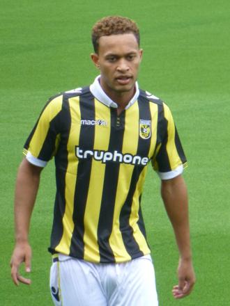 Lewis Baker (footballer) - Baker with Vitesse in 2015