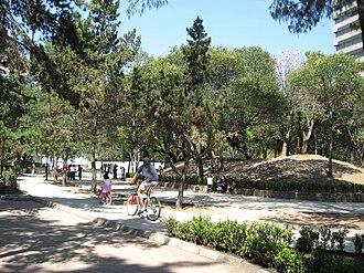 Parque Lincoln - Image: Lincoln Part Bike Path DF