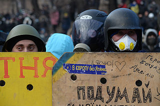 Schläger der »Gemeinsamen Sache« auf dem Maidan. Foto: Mstyslav Chernov / Wikimedia Commons. This file is licensed under the Creative Commons Attribution-Share Alike 3.0 Unported license