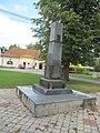 Lobodice, pomník I. sv. válka.jpg