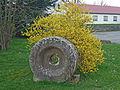 Lohmen-Dorfstr-Mahlstein.jpg