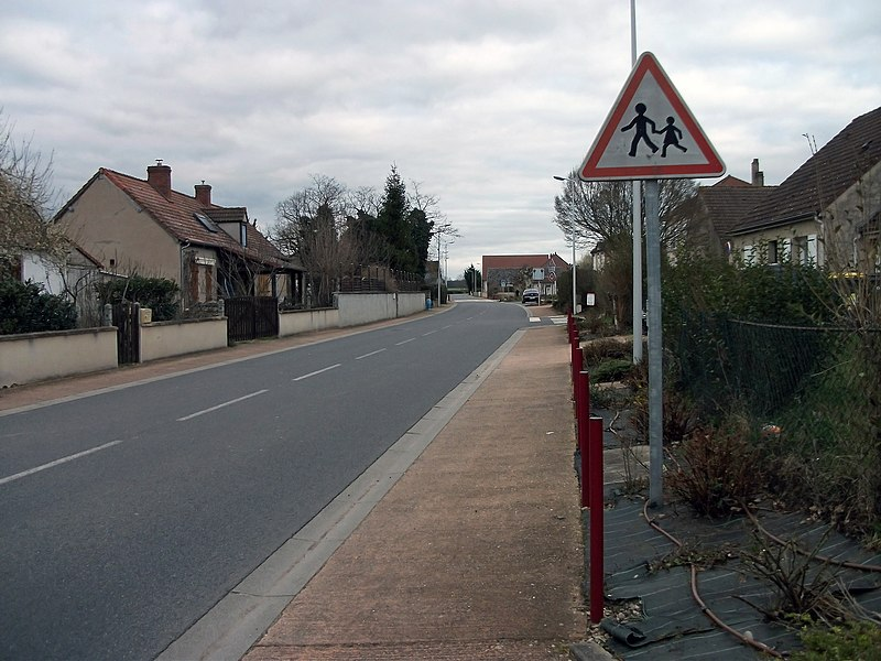 Departmental road 130 in Loriges towards Billy - Sign made in 1987 (near school) [10318]