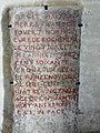 Louresse-Rochemenier église Rochemenier pierre funéraire.JPG