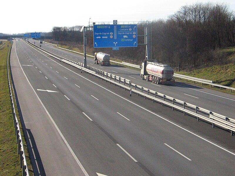 File:M7 Letenye közelében.jpg