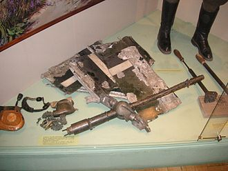 MG 15 - Debris of a downed Heinkel He 111 along with the barrel of an MG 15. Polish Army Museum, Warsaw (2006)