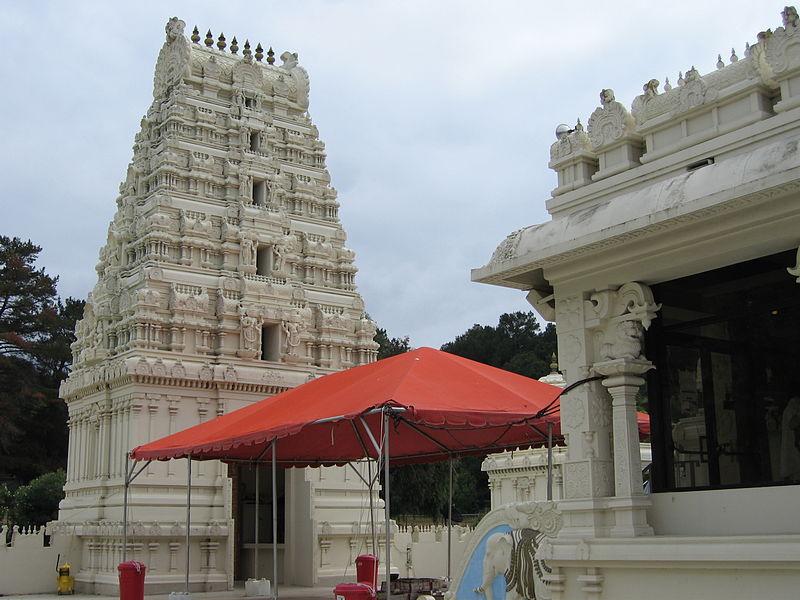 Sri Venkateswara, Malibu Hindu Temple 800px-Malibu_Hindu_Temple_23