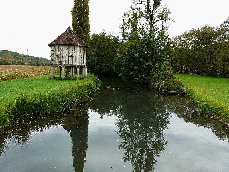 File:Manoire Boulazac Lieu-Dieu.JPG
