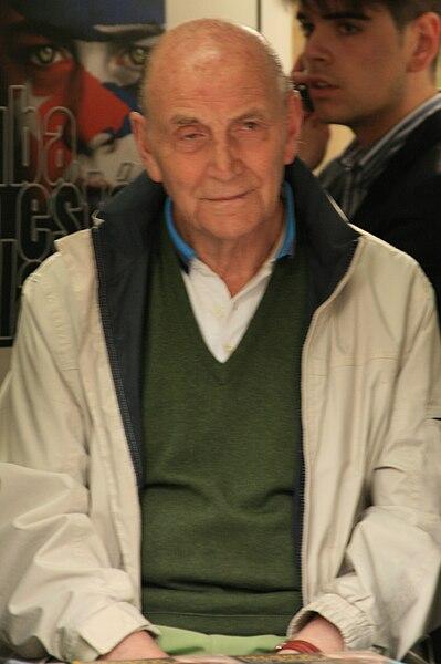 File:Marcos Ana (Feria del Libro de Madrid, 6 de junio de 2009).jpg