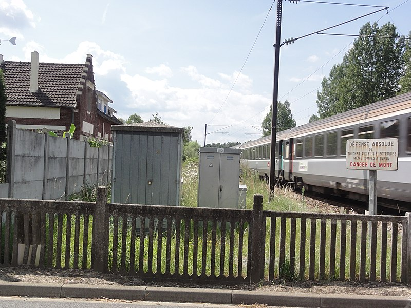 Marest-Dampcourt (Aisne) ancienne gare Marest Quierzy avec train