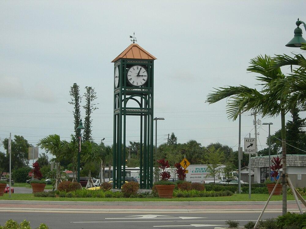 The population density of Margate in Florida is 2263.55 people per square kilometer (5861.83 / sq mi)