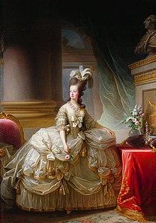 Maria Antonietta in grand habit de cour in un ritratto di Élisabeth Vigée-Le Brun (1778). Si tratta del primo dei molti ritratti ufficiali che la pittrice francese, coetanea e amica di Maria Antonietta, realizzò per la regina.