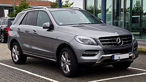 Mercedes-Benz M-Class - Image: Mercedes Benz ML 350 Blue TEC 4MATIC (W 166) – Frontansicht, 8. September 2013, Bösensell