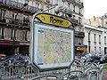 Metro de Paris - Ligne 2 - Rome 07.jpg