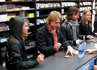 Mew (band) - Mew signing autographs in 2006