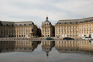 Miroir deau reflecting pool in Bordeaux, France