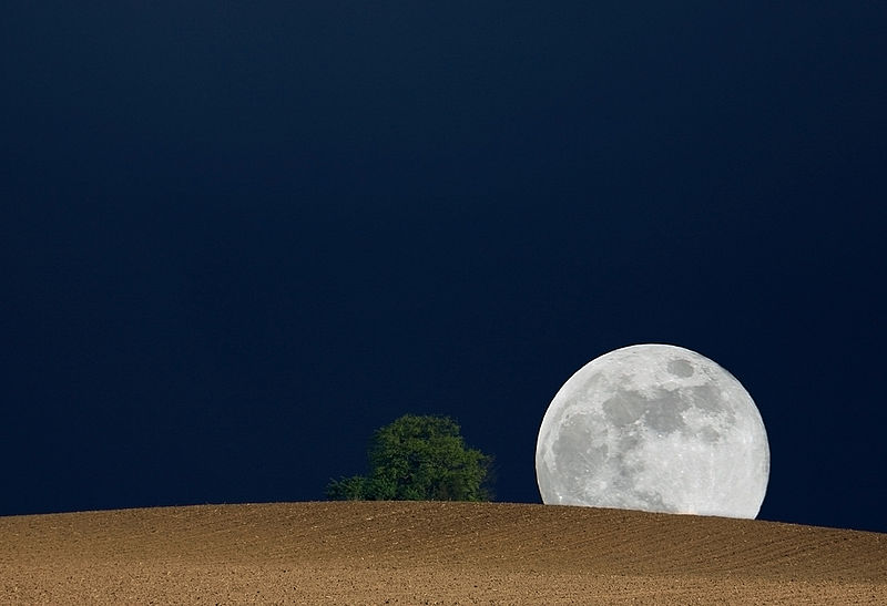 File:Mondaufgang.jpg