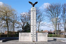 Monument of Polish Pilots in Northolt.JPG