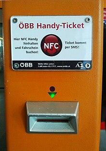 Un Distributeur De Billets Train En Autriche Proposant La Technologie NFC Pour Payer