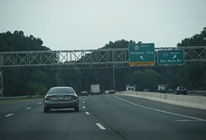 Southbound New Jersey Route 42 at ramp split w...