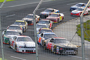 2015 NASCAR Canadian Tire Series - Alex Labbé leads the field just before the start of the Budweiser 300 at Chaudière.