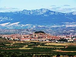 Navarrete y la Sierra de Cantabria.JPG