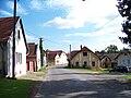 Nedrahovice, silnice a domy (01).jpg