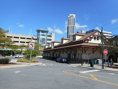 New Rochelle Metro-North station with Intermodal Center.jpg