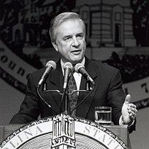 North Carolina Governor Jim Hunt in 1992.jpg