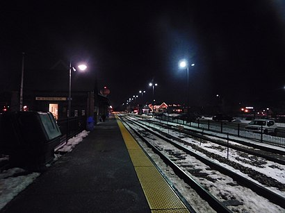 How to get to Northbrook Metra Station with public transit - About the place