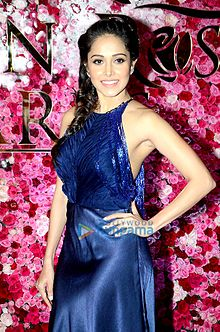 Nushrat Bharucha at 'Lux Golden Rose Awards 2016' in Mumbai.jpg