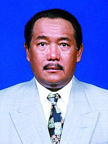 Official Portrait of Matori Abdul Djalil (1999).jpg